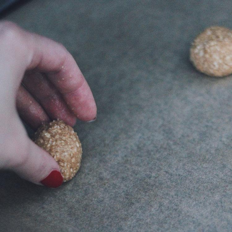 A dough ball for an oat cookie