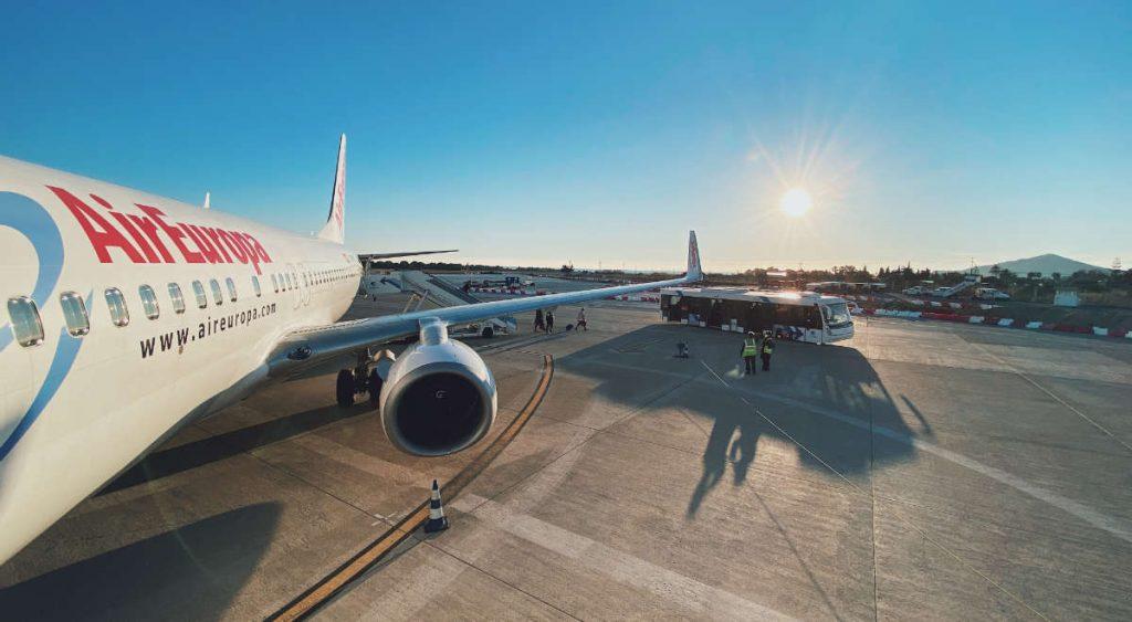 AirEuropa vliegtuig op het vliegveld van Ibiza